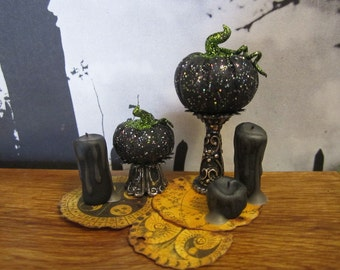 Elegant Glittering Pumpkins dollhouse miniature, spooky, Halloween, witch  in 1/12 scale