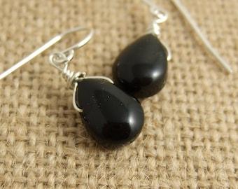 Earrings with Black Glass Teardrops HE-315