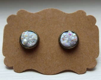 White Druzy Earrings, Drusy Earrings, Druzy Earrings, Brass Post, White 10mm Druzy Post, Brass White Druzy Earrings, Stud Earrings