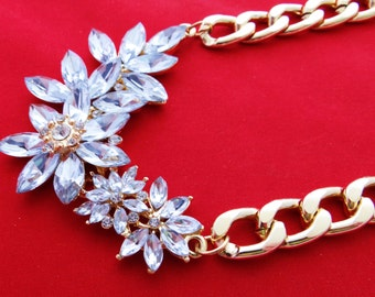 "Vintage gold tone 20"" necklace with rhinestone 3"" centerpiece in great condition, appears unworn, 2.5"" drape"