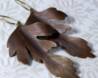 leaf earrings, brass oak leaf earrings, oxidized leaves, vintage leaf drops, dark leaf earrings, oak leaf drops, OOAK leaf earrings