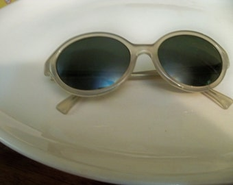 vintage Liz Claiborne sunglasses