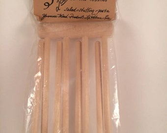 Vintage New in package Salad Fingers Tongs Salad Stuffing Pasta Yvonne Wood Products LaPalima California Birch wood USA OOAK hard to find