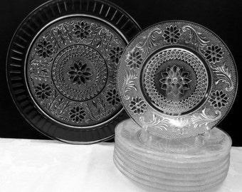 """Set of Vintage Indiana Sandwich Glass 13"""" Serving Platter or Torte Plate plus 8 Dessert Plates 8.5"""" All in Very Good Condition"""
