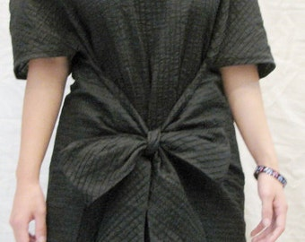SALE 25 USD--M020--Cotton blouse with cute pleats and ribbon.