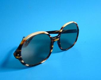 "Vintage ""Best Ever"" Oversized SUNGLASSES Italy horn 1950s shell mid century retro glasses eyewear kitsch"