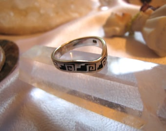 Lovely Vintage Hopi Sterling Silver Band Native Design Ring