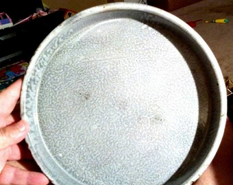 Primitive Gray Graniteware Sorghum Pie Plate