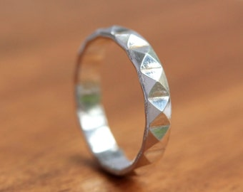 Silver Pyramid Ring - Silver Patterned Band - Silver ring
