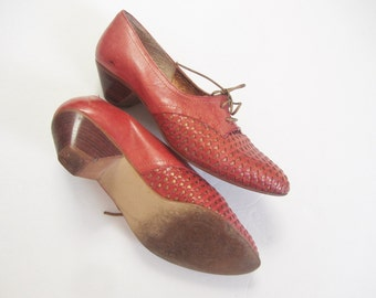 red leather oxford loafers . preppy gold lace up shoes .size 7 7.5 38