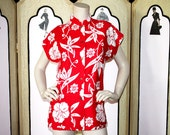 Vintage Hawaiian Tea Timer Shirt in Red and White. Medium to Large.