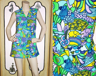 Vintage 60's Psychedelic Jungle Tunic or Mini Dress. Elephants, Giraffes, Lions, Turtles, Aligators, Fish. Small.