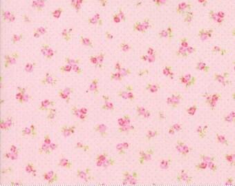 Rosebuds ..Brenda Riddle Designs .. Fleurs collection  Moda fabric 18632-15..
