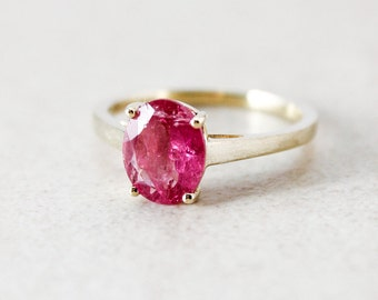 Gold Ruby Pink Tourmaline Ring - Oval Cut - Anniversary Gift Ideas