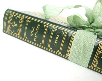 Moll Flanders By Daniel Defoe, Vintage Book, Collectors Edition, Pocket Books Inc., Sage Green Book Decor, Old Pocket Book