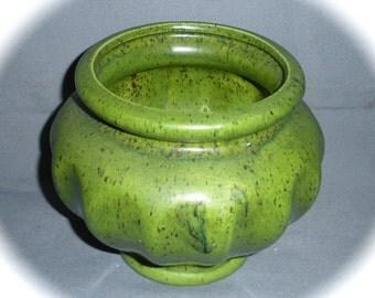 Haeger Art Pottery Flower Bowl Planter Pot Vintage Retro Grass Green USA Flower Arranging Home Decor