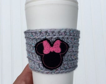 Disney coffee cozy, crochet cozy with minnie, cup cozy, teacher gift, drink sleeve, Minnie Mouse, disney vacation, Minnie Mouse accessory