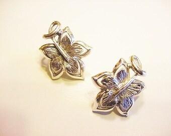 BG611 Vintage CORO Silver Tone Leaf Clip On Earrings
