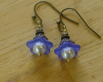 Bead Dangles Blue Lucite Flowers with Pearls Earrings