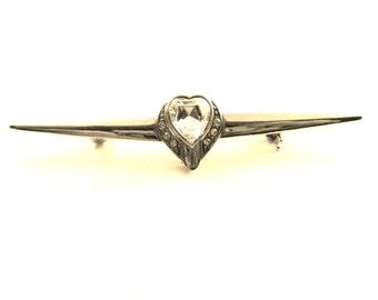 Bright clear heart-shaped crystal silvered Bar Brooch Pin - 1960s italian Romantic Valentine gift - art.701 -