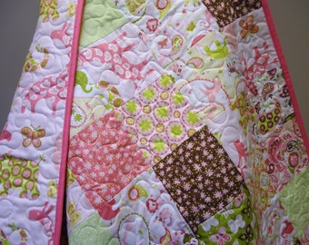 Baby Quilt-Girl-Animal Parade-Pink-Giraffe-Elephant-Rhino-Pink-Traditional Patchwork Crib Quilt-Baby Bedding-Toddler Quilt
