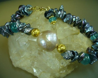 Kasumi Pearl Apatite Keishi Pearl Solid Gold Bracelet
