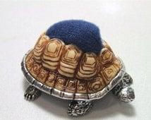Heirloom Pewter Turtle Tortoise w/ Resin Shell Needles Pin Cushion Pincushion