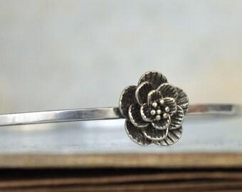 sterling silver stacking bangle, VINTAGE FLOWER, antiqued sterling silver bangle bracelet with flower charm