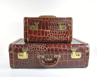 Vintage Luggage Set / Faux Alligator Leather Suitcase / Old Suitcase / Retro Luggage Decor / 1940s Travel Set
