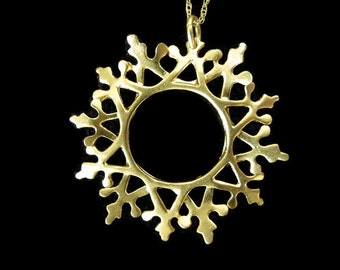 Flowered Snowflake necklace gold plated, Christmas snowflake necklace gift, snowflake pendant, Christmas jewelry gift, winter necklace