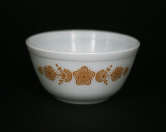 vintage pyrex butterfly gold mixing bowl 1.5QT  402