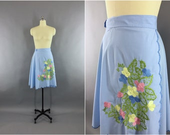 Vintage 1970 Wrap Skirt / 70s Cotton Mid Skirt / Embroidered Floral Embroidery / Full Circle Skirt / Festival Hippie Bohemian