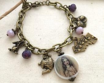Alice Bracelet, Best Friend Gift, Gift Ideas,Theme Bracelet, Friendship Bracelet, Charm Bracelet, Alice in Wonderland Bracelet