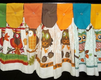 Hanging Kitchen Towels - Owls and More Owls