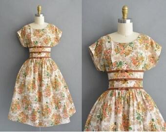 vintage 1950s dress / 50s floral floral cotton vintage dress