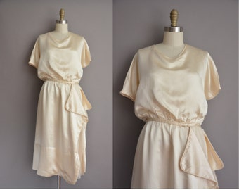 1920s antique ivory silk vintage dress / vintage 1920s dress
