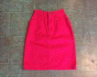 Vintage 90s high waist denim jean pencil skirt // size 3 xs // 70s style // raspberry cotton // minimalist festival trend // made in USA