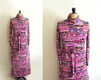 vintage maxi dress 1970s novelty abstract print purple long sleeve small medium s m