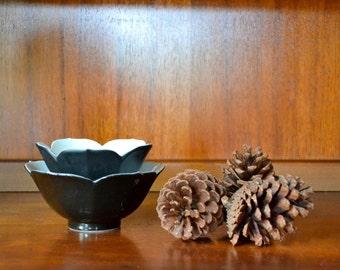 vintage midcentury porcelain black lotus bowls / vintage breakfast bowls / halloween / mid century modern