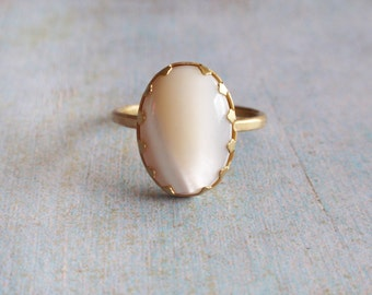 Mother of pearl ring, white opalescent ring, oval white cabochon ring, brass ring with oval mother of pearl  cabochon, gift for her