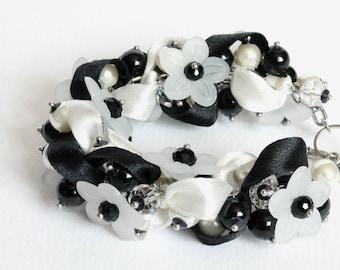 Black and White Flower Cluster Bracelet and Earrings Set
