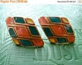 ON SALE Vintage 80s / Multi Colored / Color Block / Diamond / Bronze / Pierced / Earrings