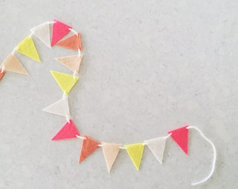 Mini Felt Triangle Garland