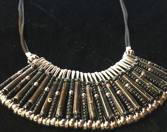 Vintage 80s - Fan shaped black beads safety pins bib necklace