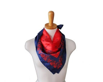 30% off sale // Vintage 60s Red and Blue Flower Berry Scarf - Mod