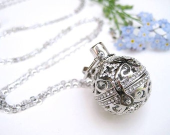 Aromatherapy Round Crystal Ball Necklace