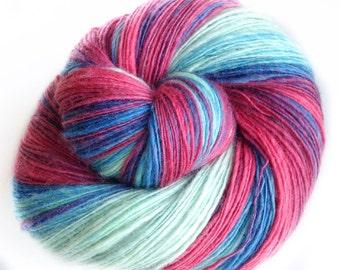 1,5 degr C - NZ corriedale wool  - single thread shawl yarn 104gr 490m