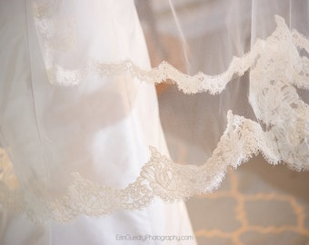 French lace wedding veil Fingertip length - Edith