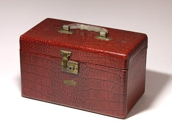 Vintage Train Case in Red Faux Alligator,  Red Makeup Case, Red Storage Case, Red Neevel Train Case   - circa 1940's