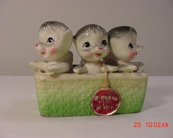"Vintage Ceramic "" We Never Had It So Soft "" Figurines In A Basket   16 - 66"